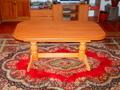 стол обеденный в хорошем состоянии
